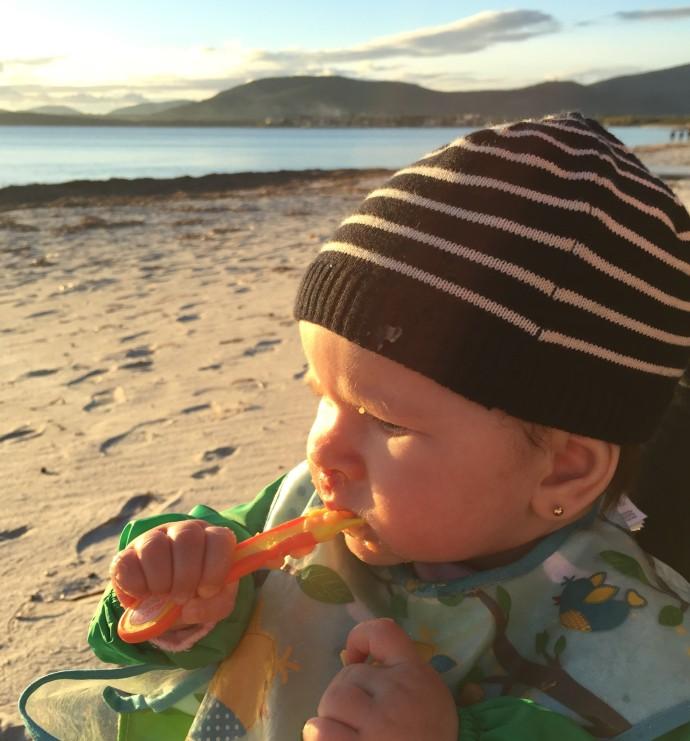 Hai Departe Ce mananca bebe in calatorii (2)