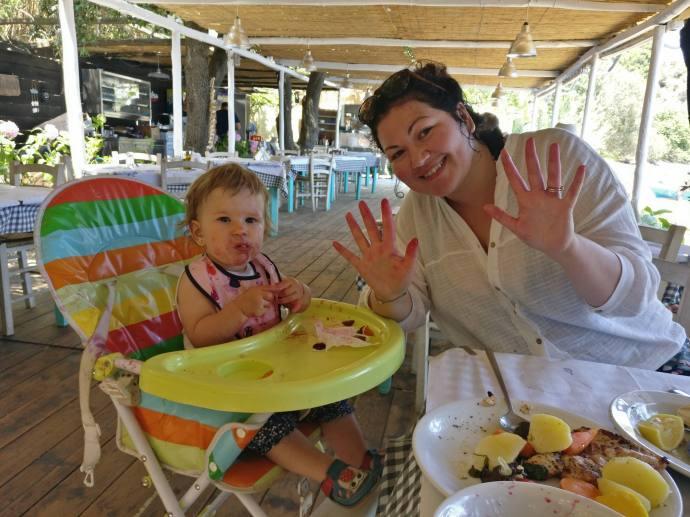 Hai Departe Ce mananca bebe in calatorii (6)
