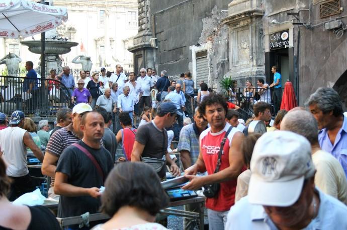 Hai Departe Sicilia Catania Piata de peste (6)